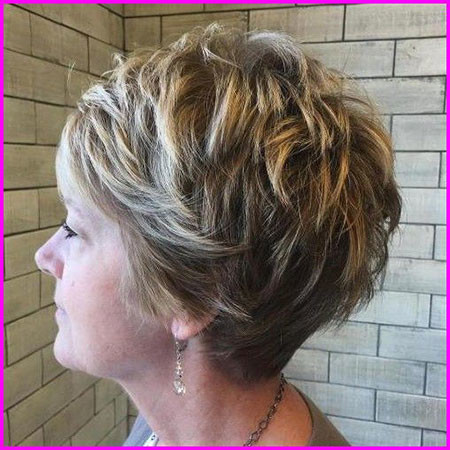 39-Pixie-Haircuts-for-Over-50