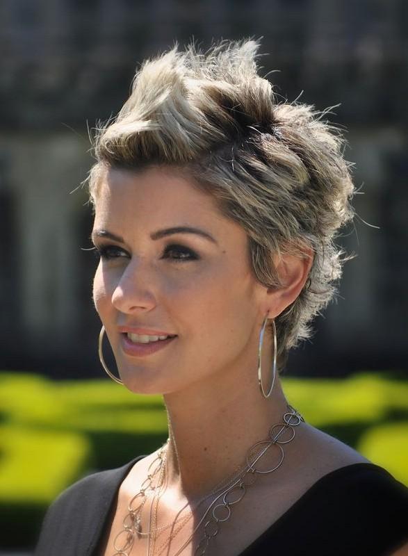 Amanda-Forrest-Spiked-Short-Haircut-for-Women