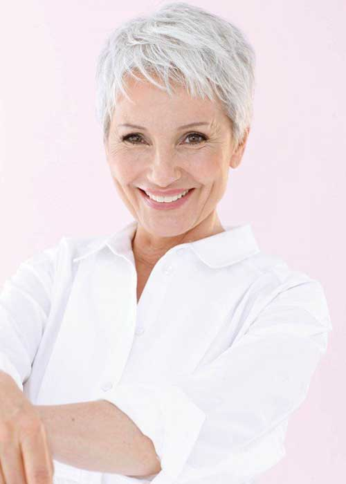 6.Pixie-Haircuts-for-Older-Ladies