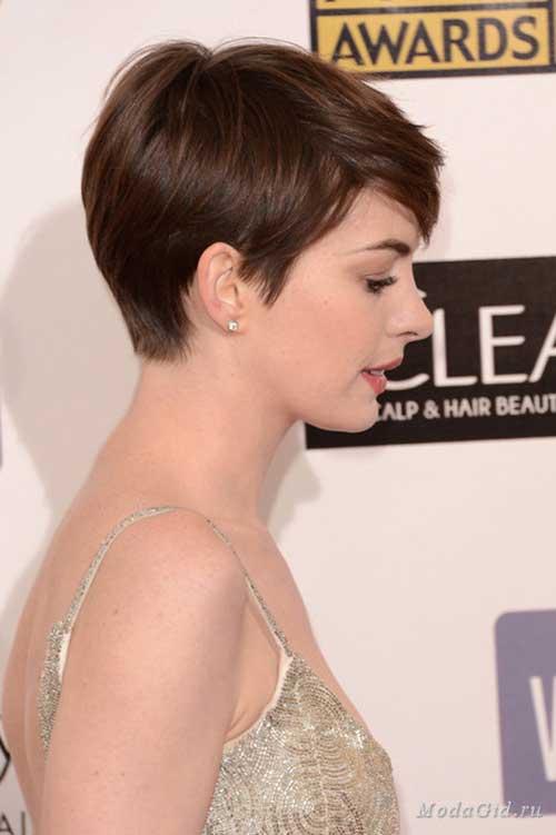 Anne-Hathaway's-Brown-Pixie-Haircut