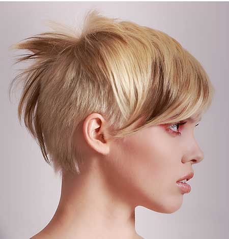 Asymmetrical-Blonde-and-Brown-Highlights-Look
