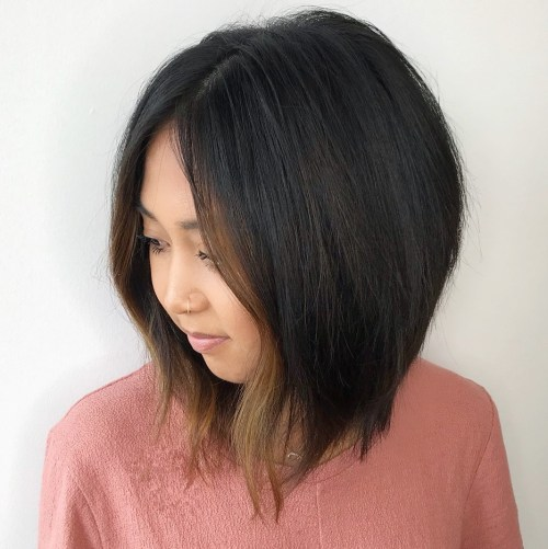 Angled-Lob-with-Face-Framing-Highlights