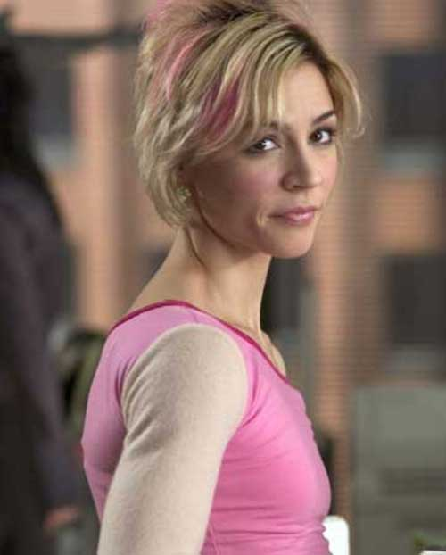 Blonde-and-Pink-Short-Hairstyle
