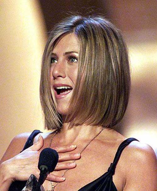Jennifer-Aniston-Ash-Blonde-Bob-Haircut